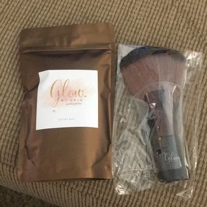 Glow by Erin finishing powder and brush